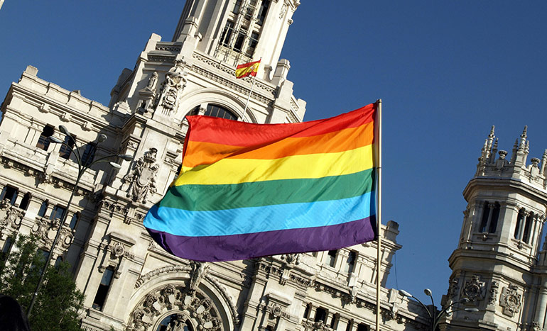 bandera-gay-madrid