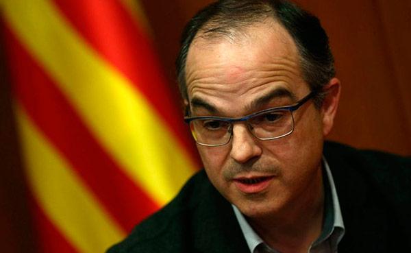 Turull, ingresado tras 14 días en huelga de hambre; Puigdemont dice que los españoles 'son miserables' Turull