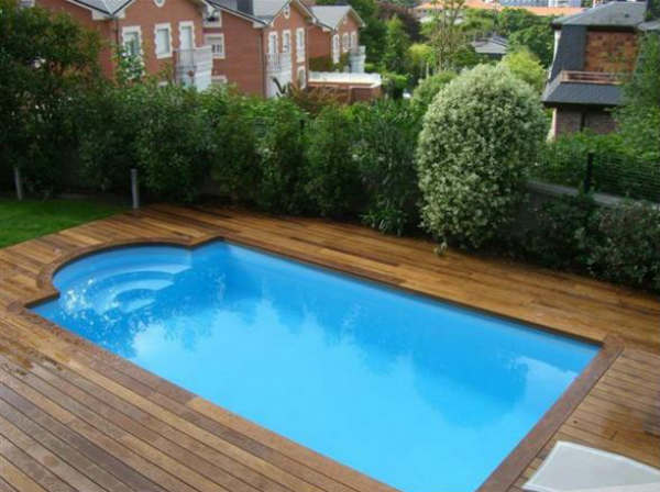 Piscinas prefabricadas ventajas y desventajas que debes saber for Decoracion piscinas exteriores