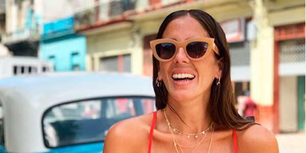 Anabel Pantoja la lía a 'lo Dulceida' regalando cosméticos a niños cubanos