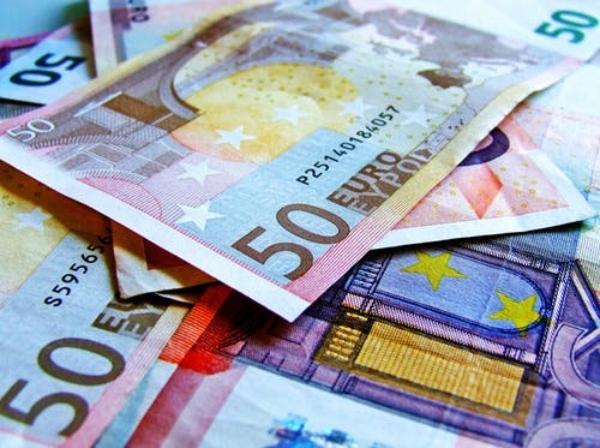 dinero euros billetes