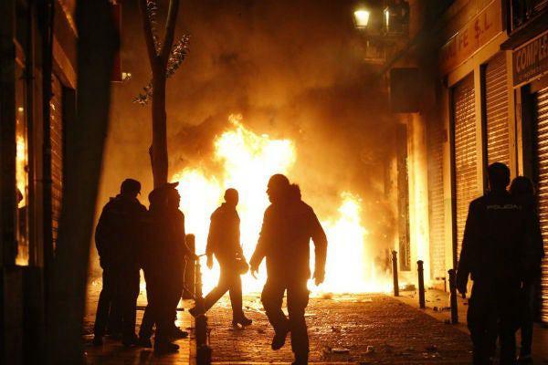 España no necesita inmigrantes Batalla-campal